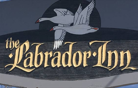 Labrador Inn Sign